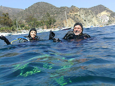 IDC-Staff-Instructor-Steve-Rubin-and-Miss-California-Marina-Inserra_head-out-to-training-WAVES-Veterans-in-Dive-2-Advance-Open-Water4